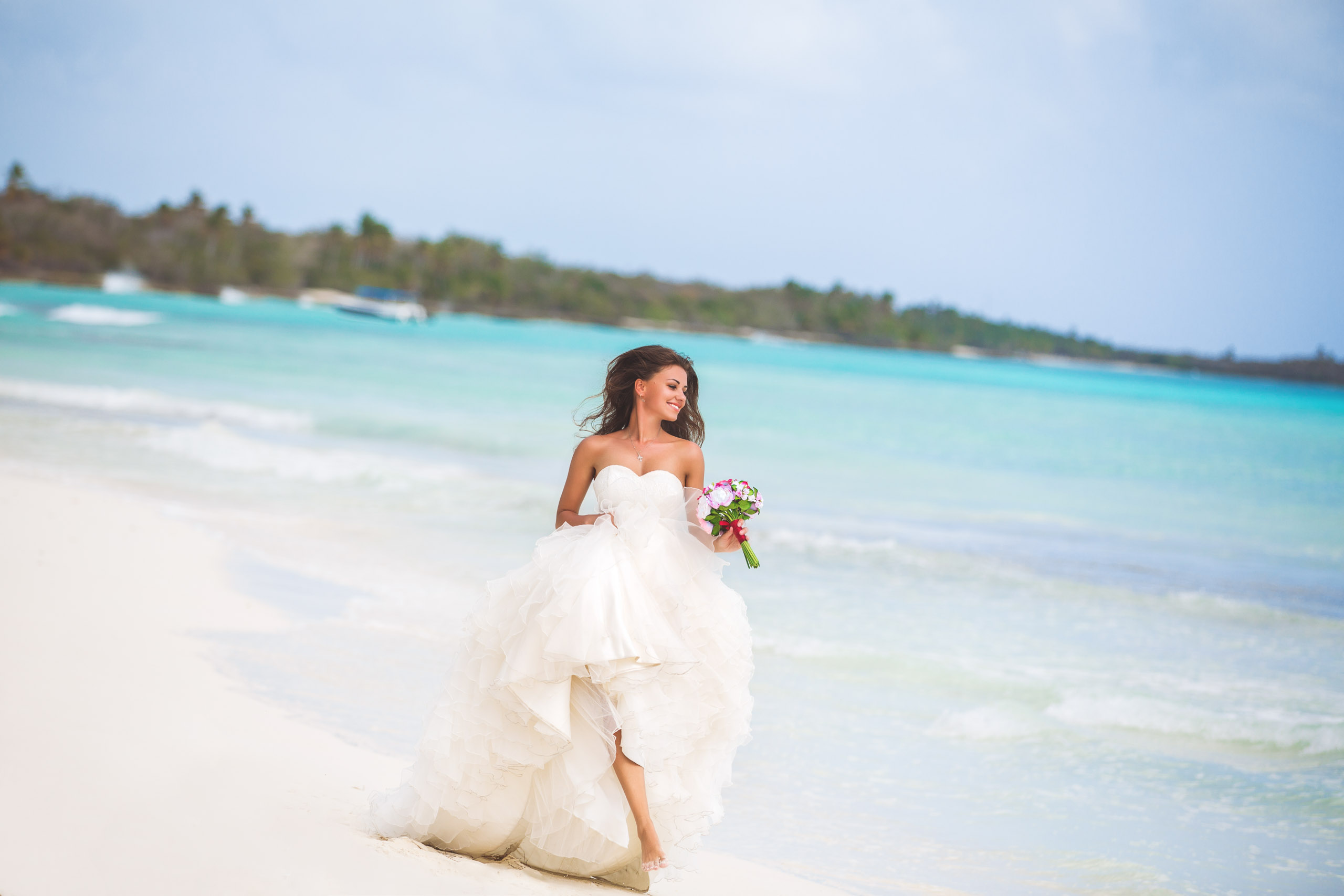 Trash the Dress on the Beach at Saona Island in the Dominican ...